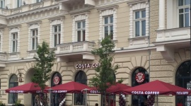 COSTA COFFEE wraca na Plac Trzech Krzyży