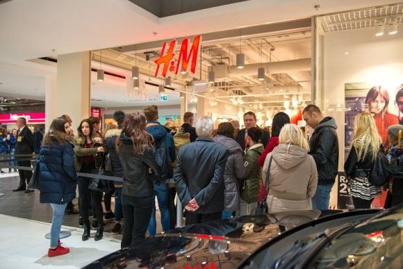 Centrum Handlowe Emka z nowym salonem H&M
