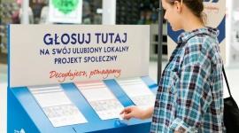 """1 125 000 złotych dla organizacji społecznych! BIZNES, Handel - Aktywni mieszkańcy, instytucje i organizacje pozarządowe już po raz czwarty w ramach programu """"Decydujesz, pomagamy"""" otrzymają granty na realizację lokalnych projektów społecznych. Tesco przekaże na ten cel aż 1 125 000 złotych."""