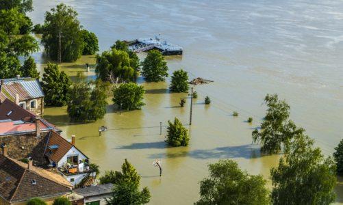 Niszczycielskie powodzie zbierają coraz większe żniwo. Czy jesteśmy w stanie przygotować się na nadchodzące zagrożenie?